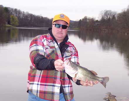 2004 biologist report dutch fork lake fish salvage 2004 for Wheeler lake fishing report